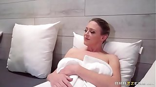 mom with her sons intrested in doing sex