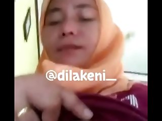 hijab arab mom show boobs